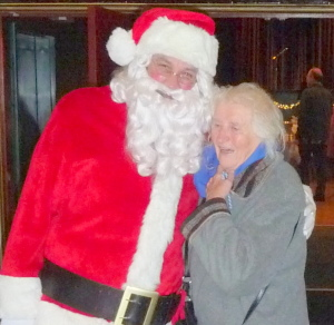 santa_with_guest_cropped